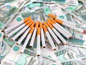 Cigarettes on the Russian Currency — Stock Photo