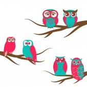Vector backgrounds with couple of owls on the branch — Stock Vector