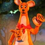 Постер, плакат: Kanga and Roo from Winnie the Pooh