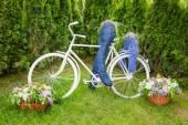 Minsk, Belarus, 23-May-2015: Bike and cyclist figures — Stock Photo