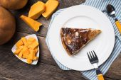 Pieces of pumpkin and pie — Stock fotografie