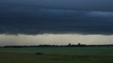 Thunder weather changes, lightning strikes, rains showers — Stock Video