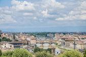 The Ponte Vecchio (Old Bridge) in Florence, Italy. — Stockfoto