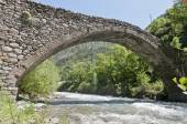 Romanic bridge at la Margineda, Andorra — Stockfoto