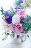 Bouquet of purple and pink eustomas — Stock Photo