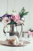 Elegant floral decor — Stock Photo