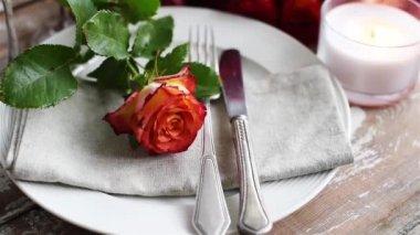 Wedding table decoration — Stock Video