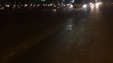 Verrückte Verkehr in der Nacht — Stockvideo