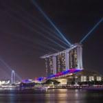 Singapore Marina Bay Sands Resort illumination at night — Stock Photo #60622631