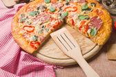 Delicious pizza — Stock Photo
