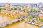 Aerial view of the Big Ben, the Parliament and the Thames river — Stock Photo