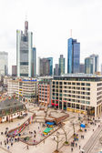 People walking in the Hauptwache plaza in Frankfurt — Stock Photo