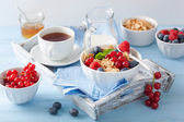 Healthy breakfast with cornflakes and berry — Stock Photo