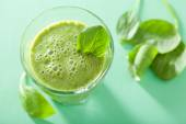 Healthy green smoothie with spinach leaves — Stock Photo