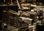 Vintage cameras and lenses on a shelf  — Foto Stock