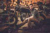 Mechanik i styl vintage Cafe racer motocykl — Zdjęcie stockowe
