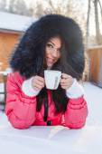 Drinking coffee on the winter time — Stock Photo
