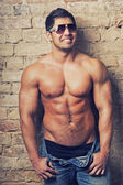 Portrait of a handsome young man with great physique — Foto Stock
