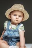 Beautifull small baby girl — Stock Photo