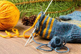 Yarn, knitting needles and mittens — ストック写真
