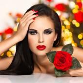 Schöne Frau mit Fashion Make-up — Stockfoto