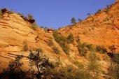 层状的砂岩山和岭 — 图库照片
