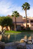 Pool and Southwestern style hotel — ストック写真