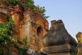 Guardian spirit on ancient stupa  — Stock Photo