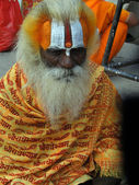Hindu Sadhu gives blessings — Stock Photo