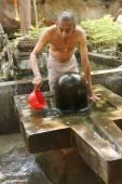 Brahmin priest offers puja — Stock Photo
