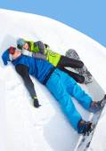 Couple snowboarders in a ski resort — 图库照片