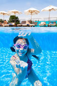 Girl underwater in pool — Stock Photo