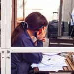 Businesswoman talking on smartphone — Stock Photo #72626399