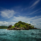 Small island in the sea — Stock Photo