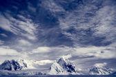 Snow-capped mountains — Stock Photo