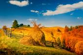 Autumn landscape in a mountain village — Stock Photo