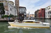Venice water taxi — Stock Photo