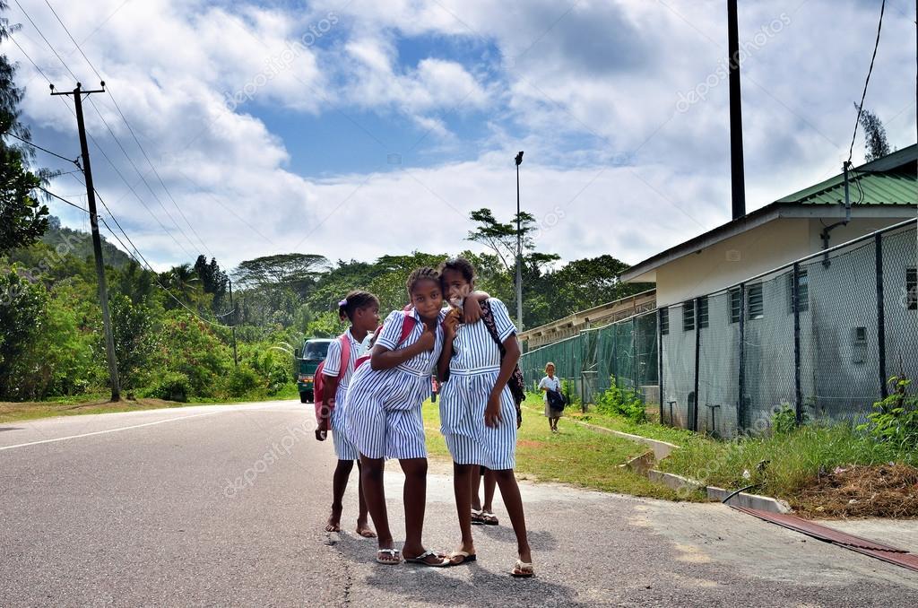Школьницы после школы скачать смотреть онлайн в hd 720 качестве  фотоография