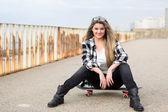 Beautiful female Skateboarder — Foto de Stock