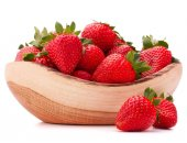 Strawberries in bowl — Stock Photo