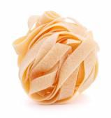 Włoski makaron fettuccine gniazdo — Zdjęcie stockowe