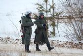 Due soldato tedesco a piedi — Foto Stock