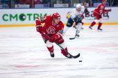 Dmitry Shitikov (23) dribble — Stock Photo