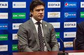 Oleg Orekhovsky on interview — Stockfoto