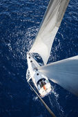 Sailing Yacht from mast at sunny day with deep blue ocean — Stockfoto