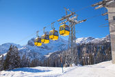Ski lift in Swiss Alps — Stock Photo
