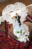 Wedding Chocolate Cake with Couple Figurines — Stockfoto