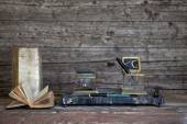 Fountain Pen and old books on Weathered Wooden — Stock Photo