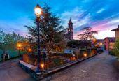 Small italian town on the dawn. — Stock Photo