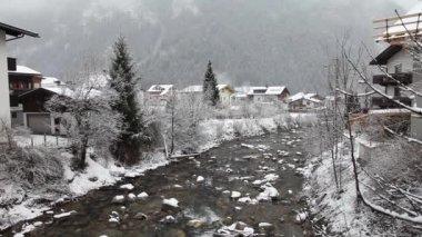 Ziller river in winter. Mayrhofen, Austria — Stock Video